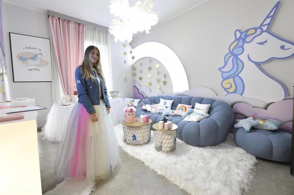 Stranezze da Fuorisalone: la Unicorn House di Milano, dai cuscini alle saponette è tutto a tema