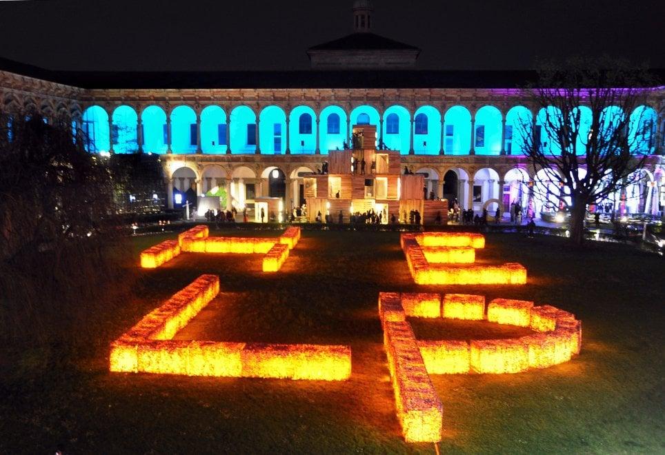 Fuorisalone, spettacolo di luci in Statale: le installazioni by night