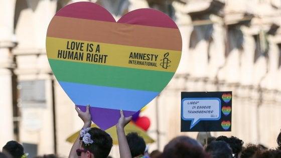 """Coppia gay scrive al sindaco di Segrate: """"Vogliamo trasferirci lì, rischiamo discriminazioni?"""""""