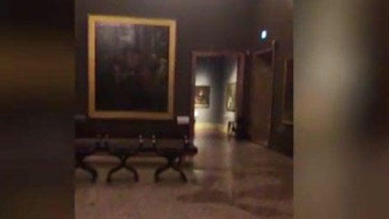 """Pinacoteca di Brera, una cascata d'acqua minaccia le opere. La Cisl: """"Serve manutenzione"""""""
