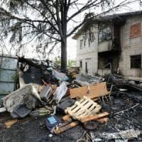 Milano, incendio distrugge parte del campo nomadi via Bonfadini