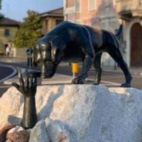 Brescia, vandalizzato dopo meno di 24 ore il monumento dedicato ai cani da soccorso