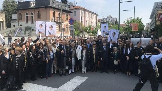 Milano: condannata avvocata in Iran, sit-in di duecento legali davanti al consolato