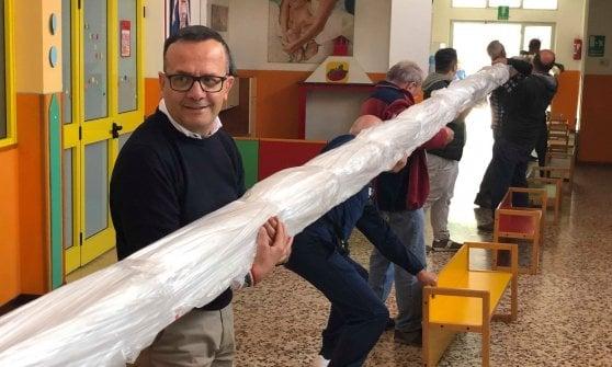 Il salame dei record per Pasquetta: trasporto eccezionale da Bergamo a Brescia con un rimorchio di 28 metri