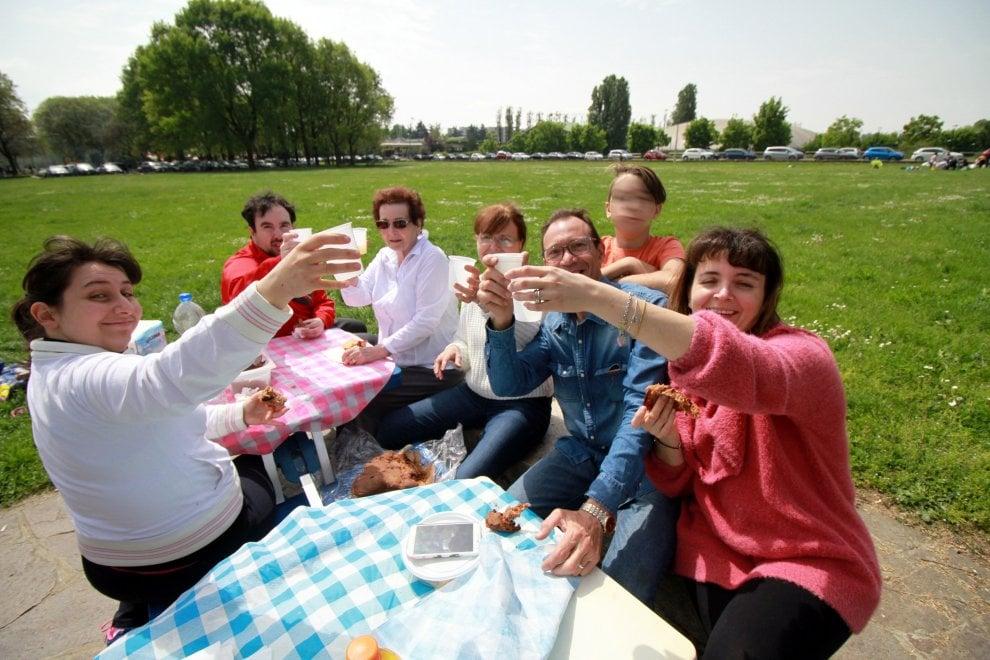 La scampagnata di Pasquetta, tradizione rispettata al parco di Trenno