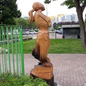 Bruciata nel Milanese la statua dedicata alla partigiana martire del fascismo