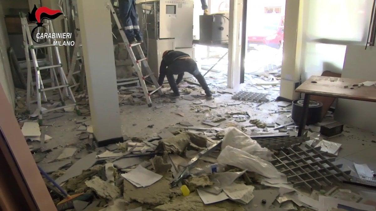 Scintilla Centro Estetico Segrate milano, facevano esplodere i bancomat per rubare i soldi
