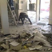 Milano, facevano esplodere i bancomat per rubare i soldi. Blitz dei carabinieri: