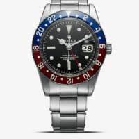 Collezionista giapponese arriva a Milano per vendere orologi di lusso ma