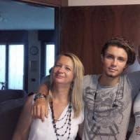 Donna trovata morta in casa, il figlio 21enne fermato per omicidio volontario