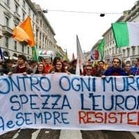 Volti e slogan dal 25 Aprile: il corteo di Milano