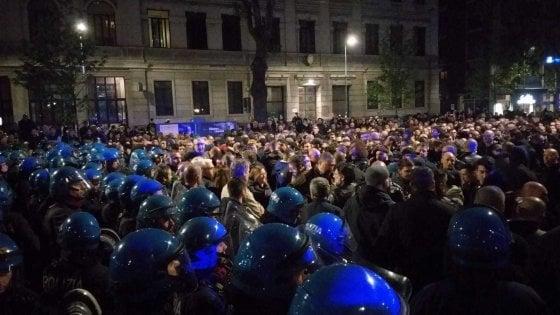 Neofascismo, il 29 aprile nero di Milano: cariche e tafferugli al corteo per Ramelli