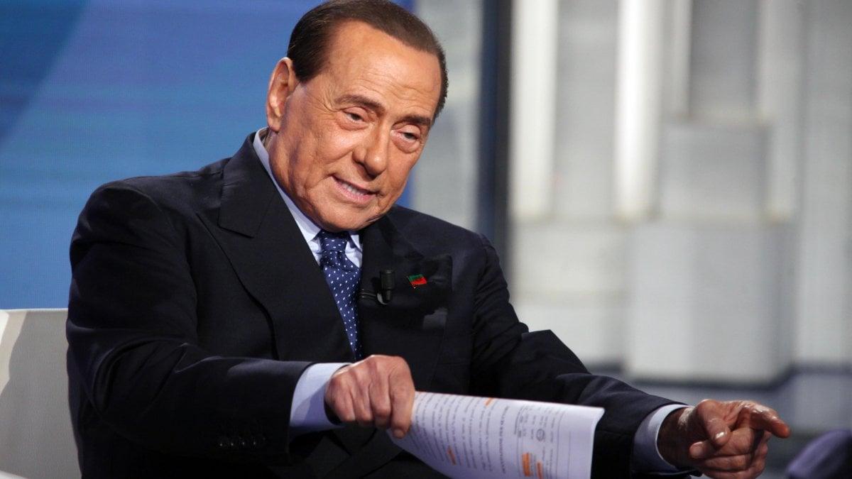 """Silvio Berlusconi operato per un'occlusione intestinale. """"Sta bene e sarà dimesso nei prossimi giorni"""""""