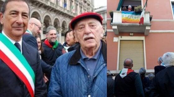 """Addio partigiano Aiace"": a Milano il saluto laico e antifascista a Libero Traversa"