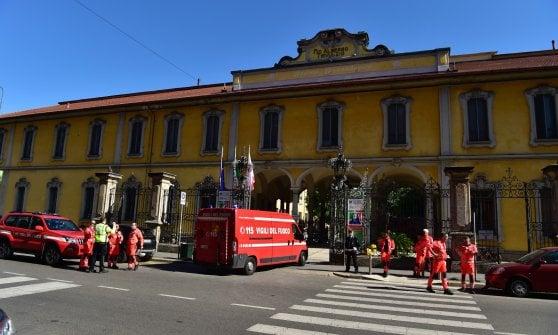 Milano, incedio al Trivulzio: fiamme divampate nel sottotetto