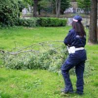Maltempo a Milano, il vento spezza un ramo: ferito bambino di 9 anni al parco giochi