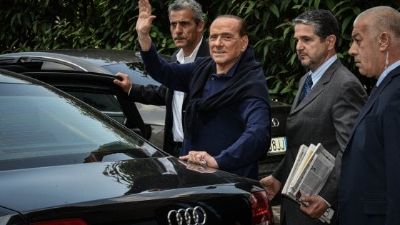 "Silvio Berlusconi al San Raffaele: ""Reagisce bene alle terapie, dimissioni previste lunedì"""