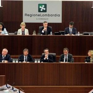 Tangenti e arresti in Lombardia, il governatore Fontana indagato per abuso d'ufficio su un incarico all'ex socio di studio