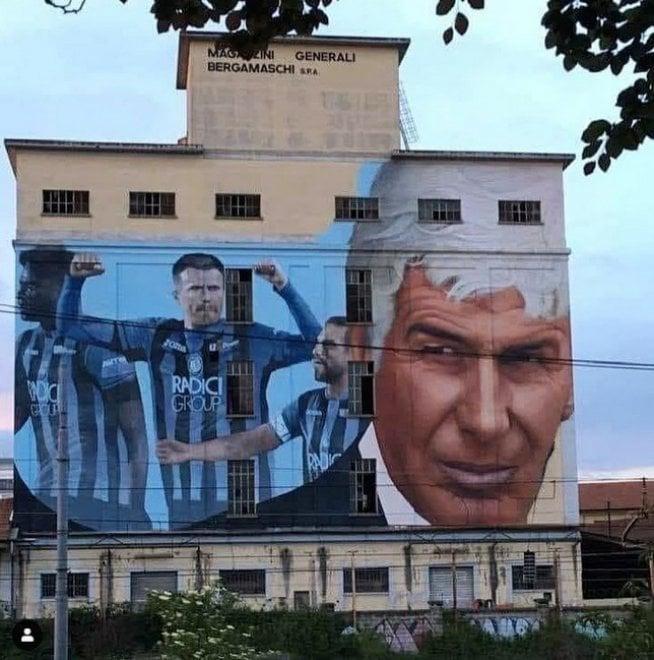 Atalanta in finale di Coppa Italia: a Bergamo il maxi murale per la squadra di Gasperini
