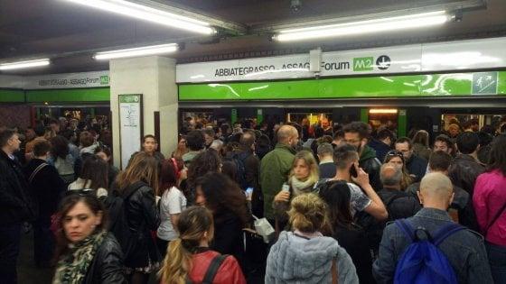 Milano, problemi alla linea aerea, bloccate per quasi tre ore due tratte del metrò