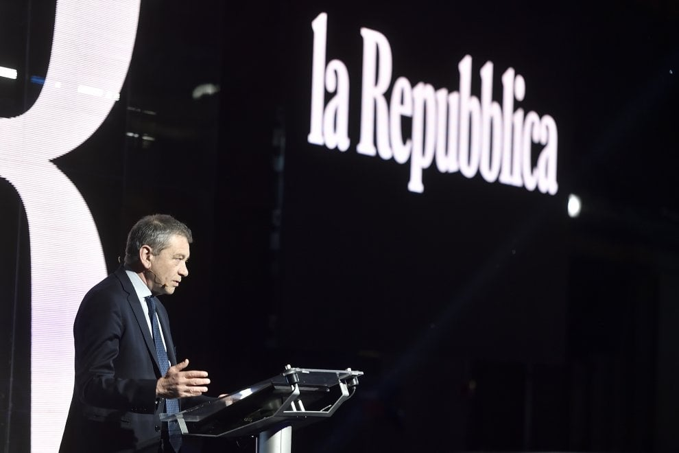"""La nuova """"Repubblica"""" svelata agli investitori. Verdelli: C'è un vento preoccupante nel Paese, alziamo la voce"""""""