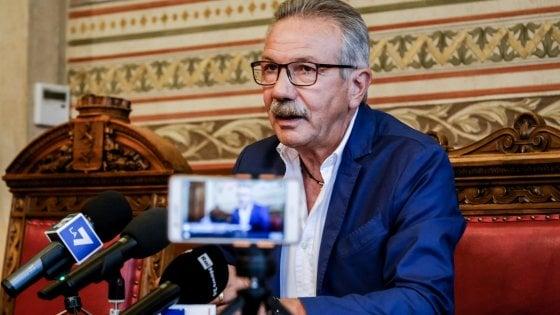 Corruzione a Legnano, il sindaco leghista Fratus si dimette dopo l'arresto