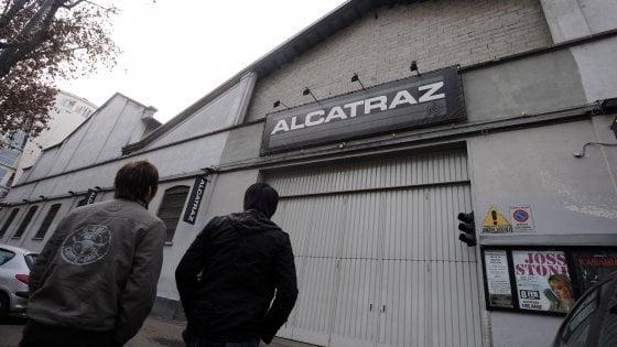 Rissa con coltelli fuori dalla discoteca Alcatraz di Milano: 5 ragazzi feriti, gli aggressori sono scappati