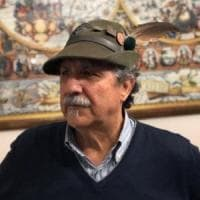 L'alpino Bruno ritrova il cappello perso al raduno di Milano: gara di solidarietà