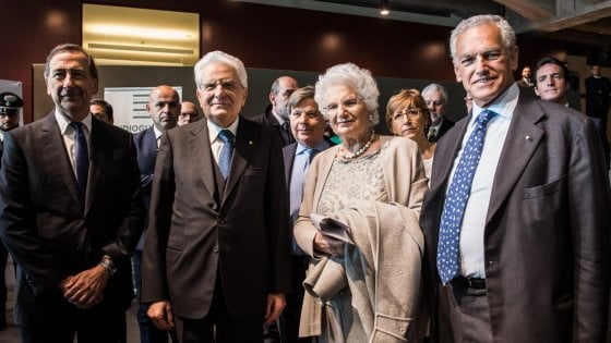 """L'omaggio del presidente Mattarella al memoriale della Shoah di Milano: """"Il dovere della memoria base per il futuro"""""""