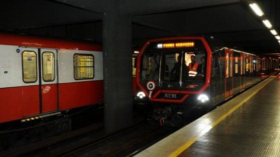 Milano, fumo da una motrice: evacuato convoglio della linea 1 del metrò