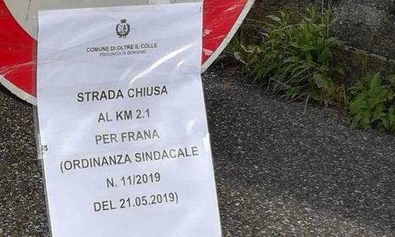 Maltempo, frana sulla strada: otto famiglie isolate nella Bergamasca