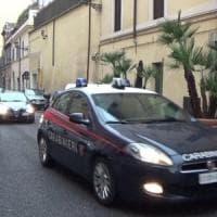 Donna picchiata selvaggiamente da un condomino nel milanese: lui arrestato,