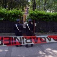 Uomo ucciso nel giardino di casa della ex fidanzata nel milanese: accoltellato