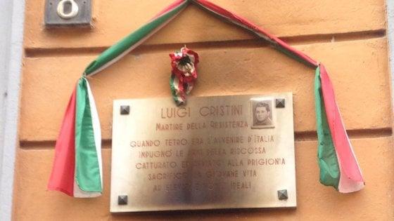 """Milano, ancora una lapide partigiana vandalizzata. L'Anpi: """"Individuare gli autori"""""""