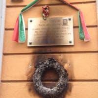 Milano, ancora una lapide partigiana vandalizzata. L'Anpi: