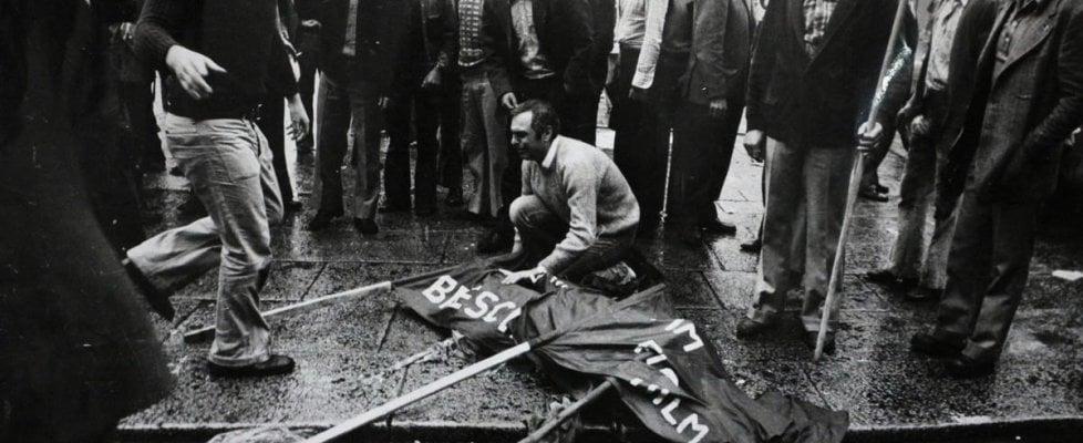 """La strage di Piazza della Loggia 45 anni dopo. Mattarella: """"Lo strazio delle vittime è parte della memoria indelebile della Repubblica"""""""