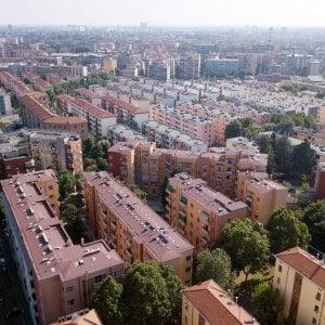 Più affitti per ceti bassi e giovani contro chi specula a Milano