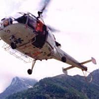 Bergamo, incidente in montagna: precipita in un burrone per decine di metri e muore