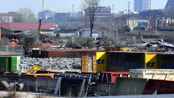 Smaltimento illecito di rifiuti, operazione dei carabinieri di Milano: 20 arresti nel Nord Italia e in Campania