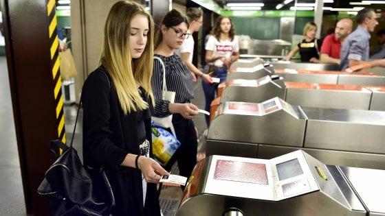 Aumento del ticket Atm a Milano, muro di emendamenti in aula. E spunta ipotesi del biglietto breve