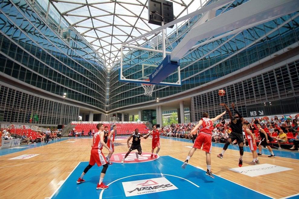 Basket, finali under 18 maschili e femminili nello speciale palazzetto sotto il grattacielo della Regione