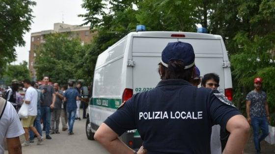 a9ea1780f93f71 Milano, blitz anti-abusivi al mercatino delle pulci di viale Puglie.  Sequestrati attrezzi e bici rubati