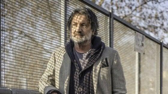 È morto Enrico Nascimbeni, addio al giornalista e cantautore