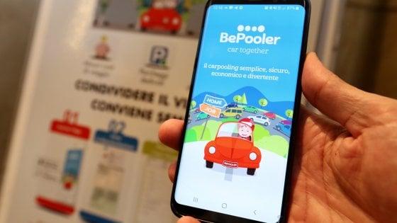 Milano, una app per il car pooling del Comune: viaggiare insieme per abbattere il traffico e lo smog