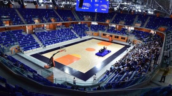 L'astronave atterra a Milano: si inaugura il nuovo Palalido per sport e concerti