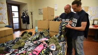Duemila magliette e gadget contraffatti  ai concerti di Vasco: 52 denunciati