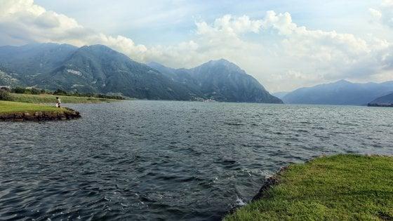 Bergamo, si getta nel fiume per recuperare il pallone: 17enne annega trascinato da un mulinello