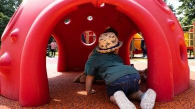 Il parco giochi accessibile: scivoli e altalene anche per i bambini disabili a Villa Finzi