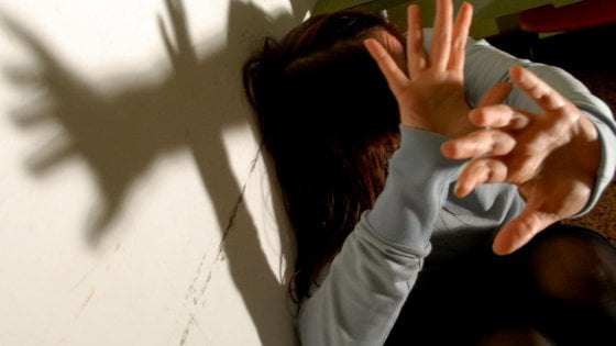 Tentata violenza su una ragazzina, arrestato un uomo: ha precedenti per lo stesso reato