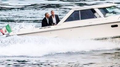 Gita in motoscafo per Obama e Clooney Così si chiude il week end super scortato